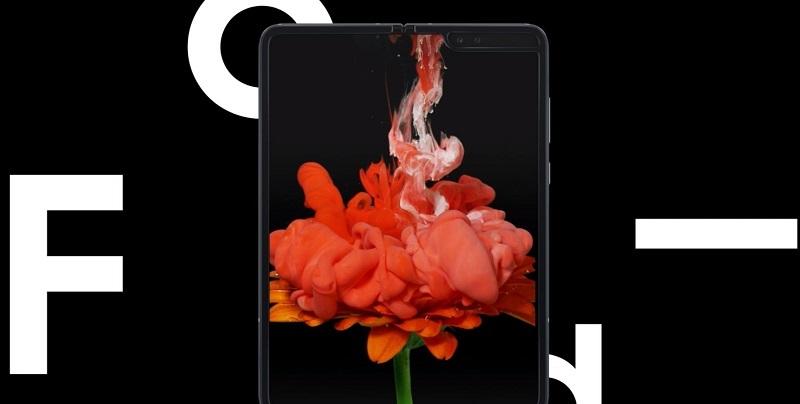 Stunning 7.3 Inch Dynamic AMOLED Display